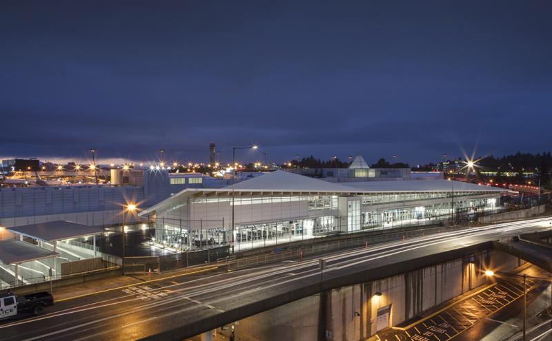 SeaTac-Concourse-D